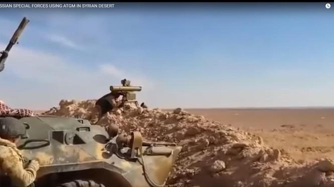 Đặc nhiệm Nga chiến đấu trên chiến trường sa mạc Deir Ezzor. Ảnh minh họa video Muraselon