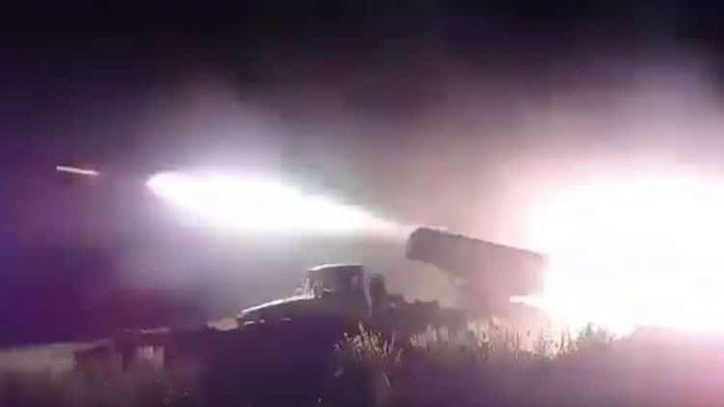 Pháo phản lực Syria đánh phá dữ dội chiến tuyến của thánh chiến. Ảnh minh họa Muraselon