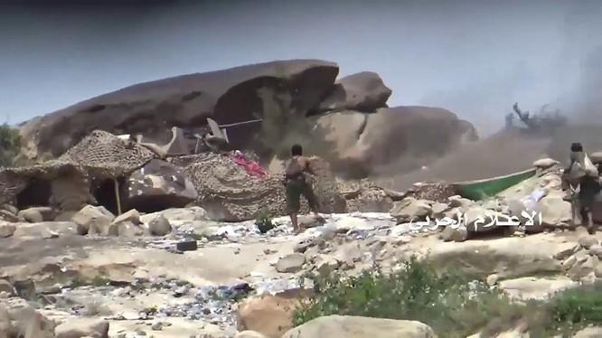 Các chiến binh Houthi tiến công trên chiến trường Ả rập Xê út. Ảnh minh họa South Front