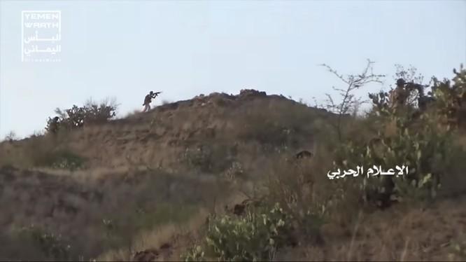 Chiến binh Houthi tiến công trên lãnh thổ Ả rập Xê út. Ảnh minh họa video Yemen Wrath.