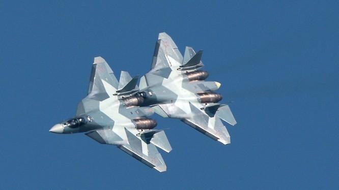 Đến năm 2028, Nga sẽ có 3 trung đoàn tiêm kích tàng hình Su-57. Ảnh TASS