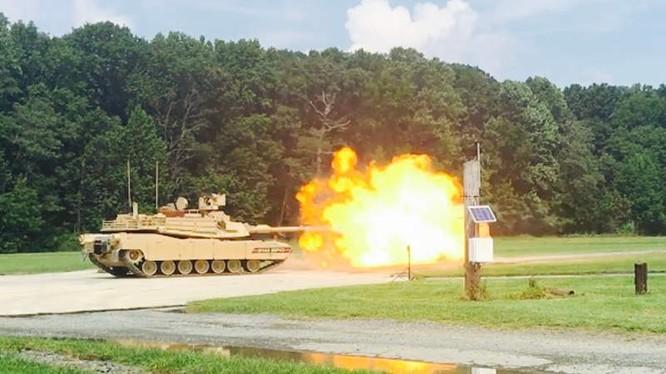 Xe tăng hiện đại hóa sâu M1A2 SEPv3 Abrams khai hỏa. Ảnh minh họa Defense Blog