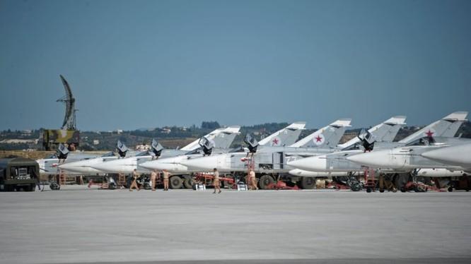 Căn cứ không quân Hmeimim của Nga ở Latakia. Ảnh minh họa Masdar News
