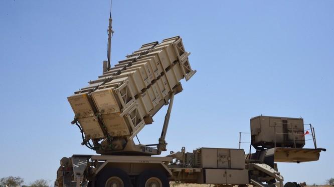 Hệ thống tên lửa phòng không Ả rập Xê út Patriot, sản xuất từ Mỹ bắn hạ UAV Houthi. Ảnh minh họa Muraselon.