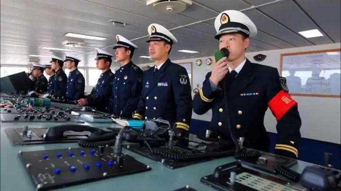Sỹ quan hải quân Trung Quốc.