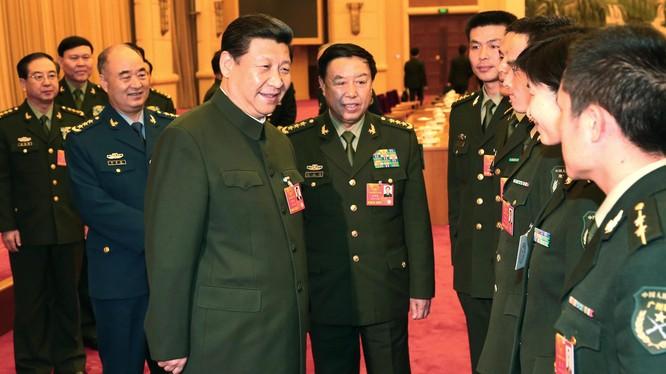 Ông Tập Cận Bình và các tướng lĩnh của Trung Quốc.