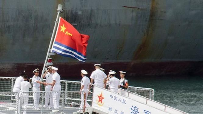 Ngày 9/8/2016, tại Thanh Đảo, phía Trung Quốc tiếp đón Đô đốc Scott Swift, Tư lệnh Hạm đội Thái Bình Dương, Hải quân Mỹ. Ảnh: Navy.mil.