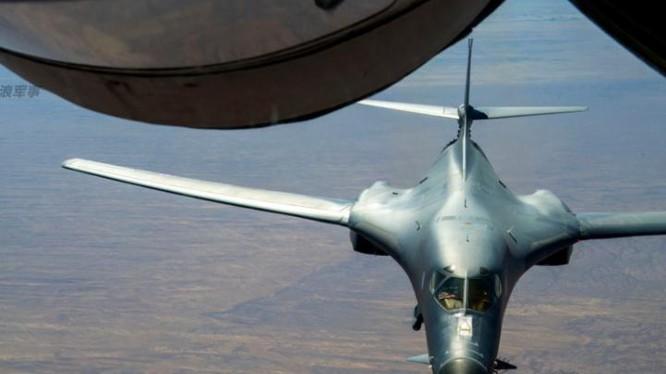 Máy bay ném bom chiến lược siêu âm B-1B Không quân Mỹ. Ảnh: Sina Trung Quốc.