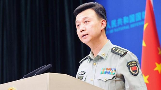Thượng tá Ngô Khiêm, phát ngôn viên Bộ Quốc phòng Trung Quốc. Ảnh: mod.gov.cn