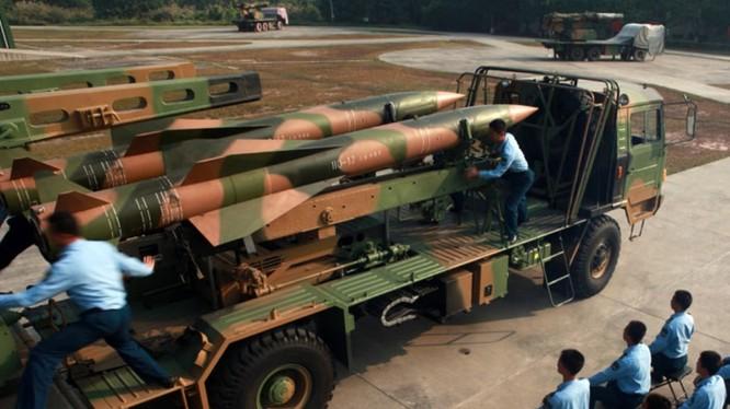 Tên lửa HQ-12 của quân đội Trung Quốc (PLA).