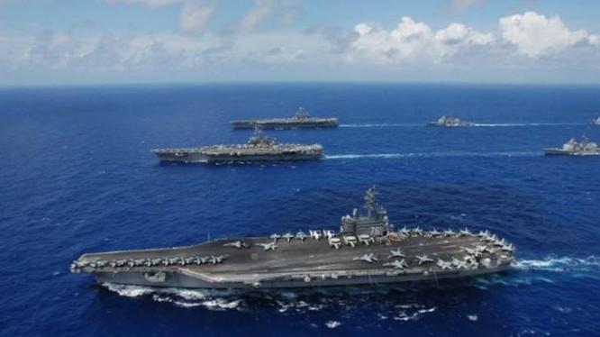 3 tàu sân bay Mỹ trong một cuộc tập trận năm 2006. Ảnh: Tin tức Tham khảo, Trung Quốc.