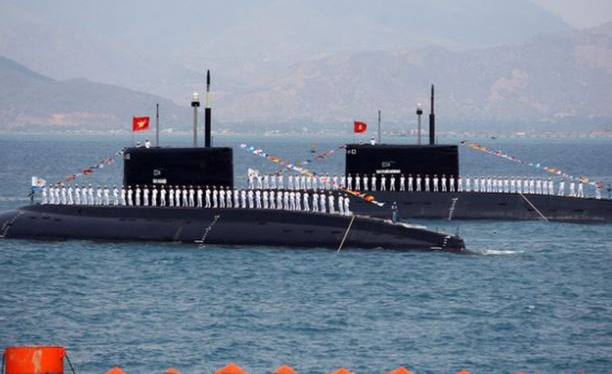 Tàu ngầm Kilo Nga bán cho Việt Nam.