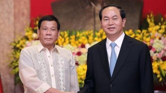 Ngày 29/9/2016, Chủ tịch nước Trần Đại Quang tổ chức lễ đón và hội đàm với Tổng thống Philippines Rodrigo Duterte. Ảnh: Reuters