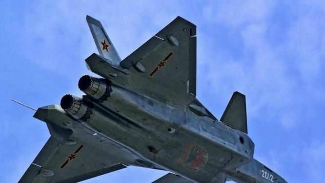 Máy bay chiến đấu J-20 số hiệu 2012 Trung Quốc. Ảnh: Cankao