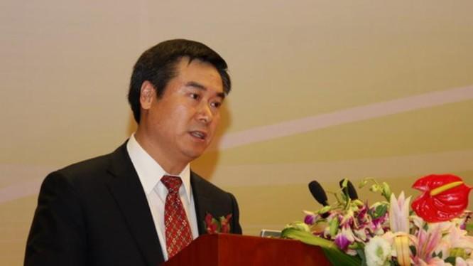 Tháng 2/2016, Thái Hi Hữu, tổng giám đốc Tổng công ty xuất nhập khẩu hóa chất Trung Quốc (Sinochem) bị ngã ngựa. Ảnh: báo Phượng Hoàng.