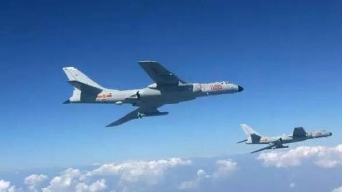 Máy bay ném bom chiến lược H-6K Trung Quốc. Ảnh: Sina