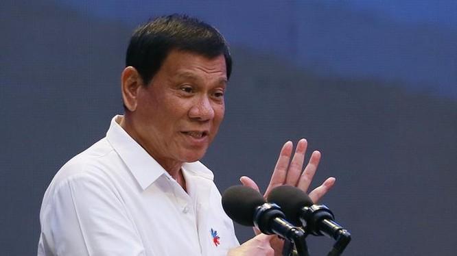 Tổng thống Philippines Rodrigo Duterte có nhiều thay đổi trong chính sách ngoại giao. Ảnh: TODAY online
