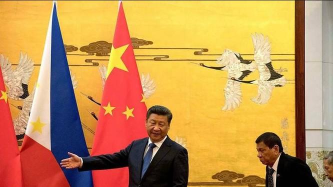 Ngày 20/10/2016, tại Bắc Kinh, Tổng thống Philippines có cuộc hội đàm với người đồng cấp Trung Quốc Tập Cận Bình. Ảnh: China.com.cn
