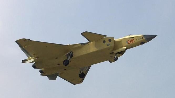 Máy bay chiến đấu tàng hình J-20 Trung Quốc. Ảnh: Thời báo Hoàn Cầu