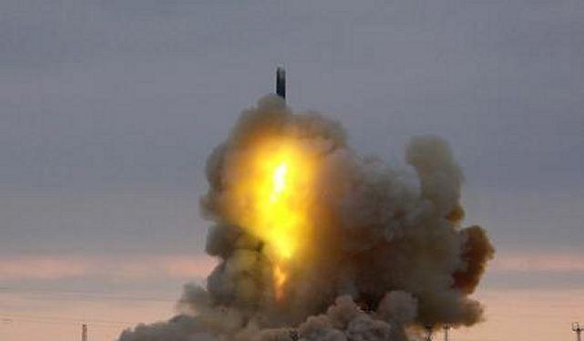 Nga phóng tên lửa đạn đạo xuyên lục địa RS-18. Ảnh: RT.com
