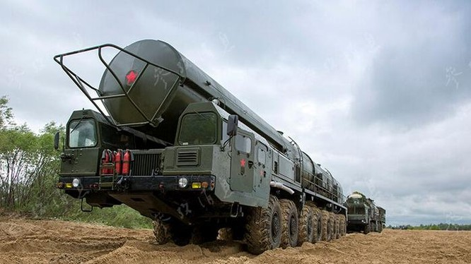 Tên lửa đạn đạo xuyên lục địa Topol của Quân đội Nga. Ảnh: Cankao