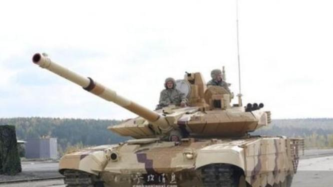 Xe tăng chiến đấu T-90MS Nga tại một cuộc triển lãm quốc phòng vào năm 2013. Ảnh: Sina