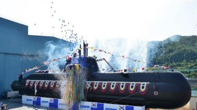 Tàu ngầm thông thường AIP Type 214 của Hải quân Hàn Quốc. Hàn Quốc có thể chuyển nhượng công nghệ khi xuất khẩu vũ khí. Ảnh: Sina