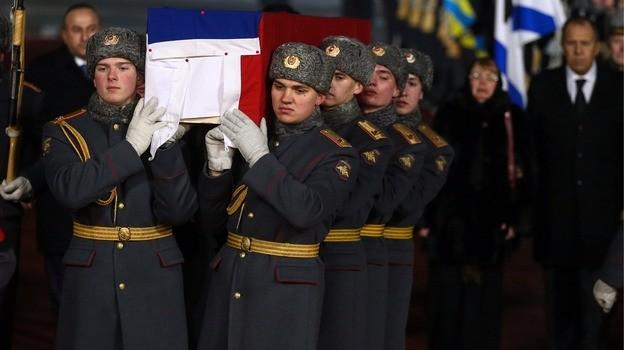 Thi thể Đại sứ Nga tại Thổ Nhĩ Kỳ Andrey G. Karlov đã được đưa về nhà.