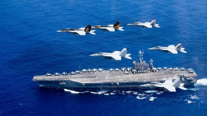 Hạm đội 2 tàu sân bay Mỹ phô diễn sức mạnh trên Biển Đông. Ảnh: Sina