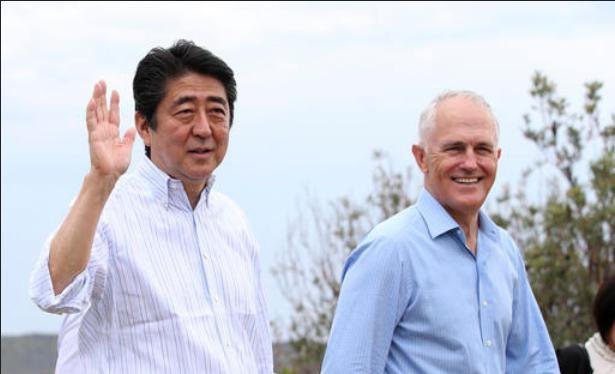 Thủ tướng Shinzo Abe thăm Australia. Ảnh: KTBS