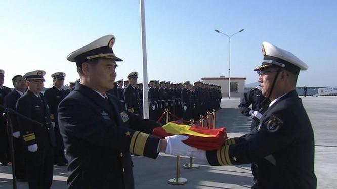 Ngày 22 tháng 1 năm 2017, tàu khu trục Tây Ninh 117 Type 052D biên chế cho Hạm đội Bắc Hải, Hải quân Trung Quốc. Ảnh: dwnews