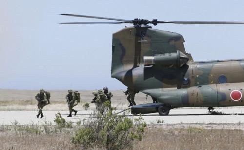 Lực lượng Phòng vệ Mặt đất Nhật Bản trong một cuộc diễn tập đổ bộ (ảnh tư liệu)