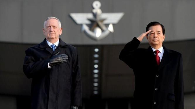 Từ ngày 2 đến ngày 3/2/2017, Bộ trưởng Quốc phòng Mỹ James Mattis thăm Hàn Quốc. Ảnh: Yahoo