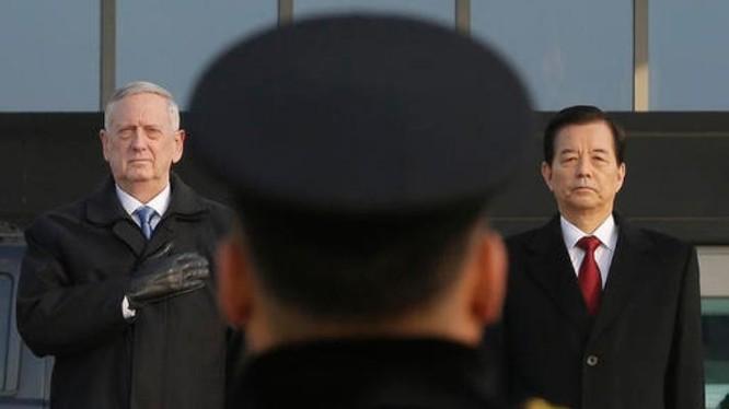 Ngày 2/2/2017, Tân Bộ trưởng Quốc phòng Mỹ James Mattis đến Hàn Quốc, hội đàm với Bộ trưởng Quốc phòng Hàn Quốc Han Min-koo. Nguồn ảnh: Internet