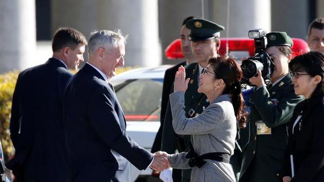 Ngày 4/2/2017, tại Tokyo, Bộ trưởng Quốc phòng Mỹ James Mattis và Bộ trưởng Quốc phòng Nhật Bản Tomomi Inada tiến hành hội đàm. Ảnh: The Japan Times.