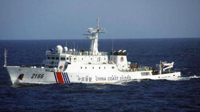 Tàu Hải cảnh-2166 của Cảnh sát biển Trung Quốc. Ảnh: báo Nhân Dân Trung Quốc
