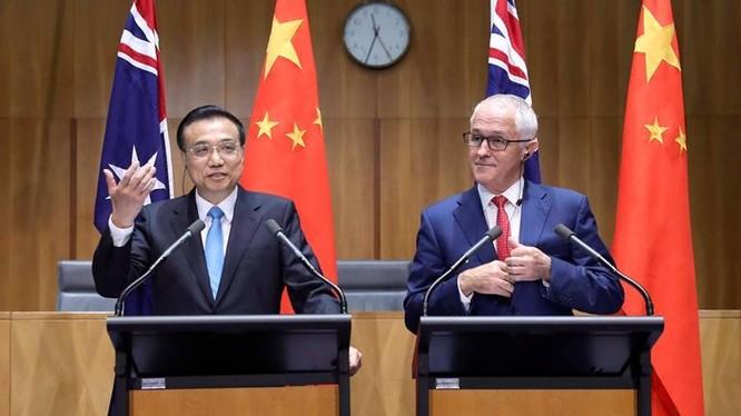 Ngày 24/3/2017, Thủ tướng Trung Quốc Lý Khắc Cường và Thủ tướng Australia Malcolm Turnbull gặp gỡ với báo chí. Ảnh: Wenxuecity