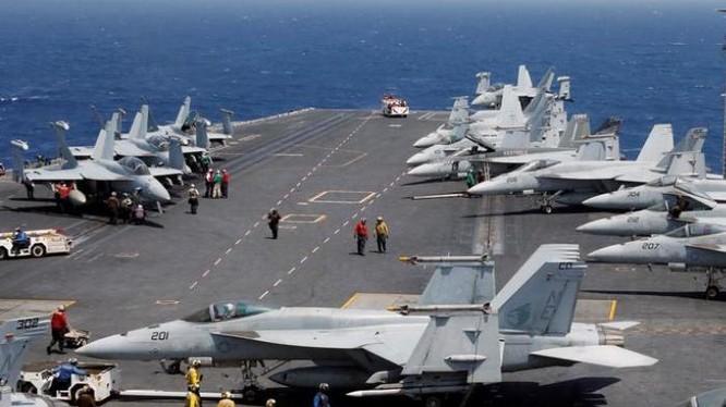 Tàu sân bay động cơ hạt nhân Carl Vinson, Hạm đội 3, Hải quân Mỹ. Ảnh: Reuters