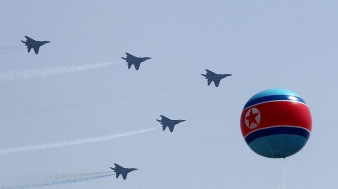 Máy bay chiến đấu MiG-29 Triều Tiên trong Lễ duyệt binh ở Bình Nhưỡng ngày 15/4/2012 (ảnh tư liệu)