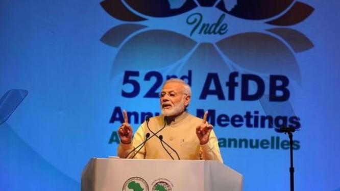 Thủ tướng Ấn Độ Narendra Modi phát biểu tại Đại hội lần thứ 52 AfDB