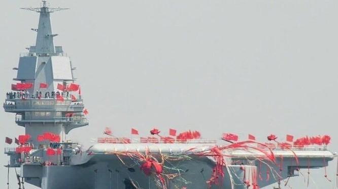 Ngày 26/4/2017, tàu sân bay tự chế đầu tiên Type 001A Trung Quốc hạ thủy. Ảnh: Cnqiang