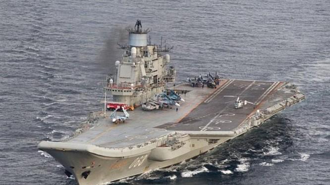 Tàu sân bay Kuznetsov Hải quân Nga, Ảnh: Daily Mail