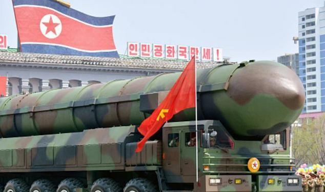 Tên lửa đạn đạo của Triều Tiên. Ảnh: FTchinese