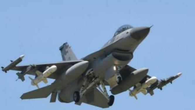 Máy bay chiến đấu F-16 của Không quân Đài Loan. Ảnh: Sina