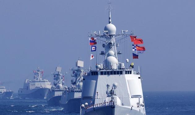 Hải quân Trung Quốc và Nga tiến hành tập trận chung. Ảnh: Tân Hoa xã.