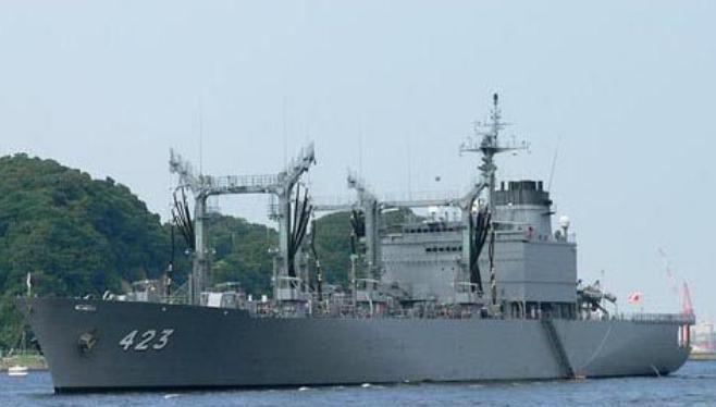 Tàu tiếp tế Tokiwa của Lực lượng Phòng vệ Biển Nhật Bản. Ảnh: Cankao.
