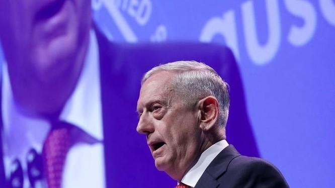 Bộ trưởng Quốc phòng Mỹ phát biểu trước Hiệp hội lục quân Mỹ. Ảnh: Wall Street Journal.
