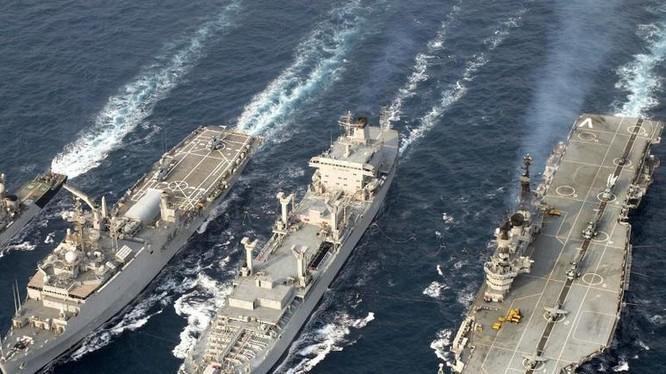 Hạm đội hải quân Ấn Độ. Ảnh: Sina.