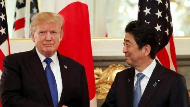 Tổng thống Mỹ Donald Trump và Thủ tướng Nhật Bản Shinzo Abe. Ảnh: The Independent.