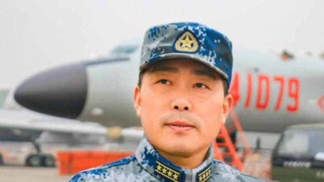 Người phát ngôn không quân Trung Quốc Thân Tiến Khoa. Ảnh: Kaixian.